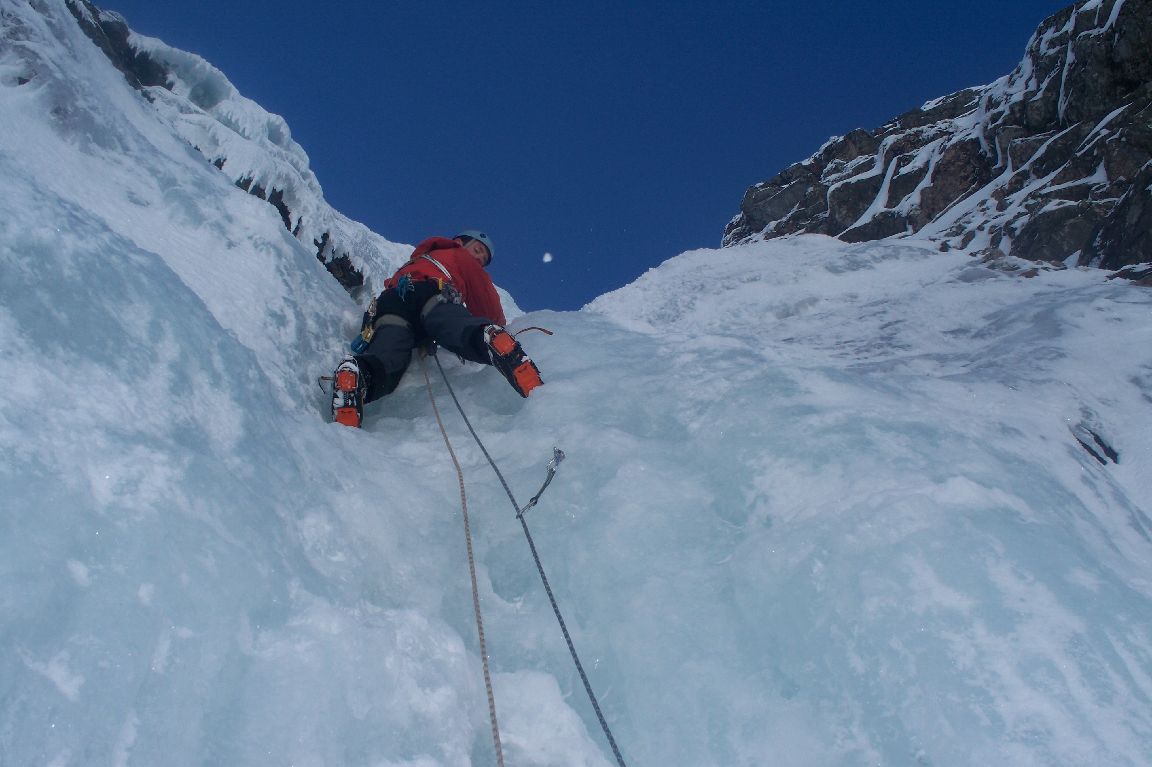 Image for article Ready for Winter? Tips and tricks for aspiring winter climbers!